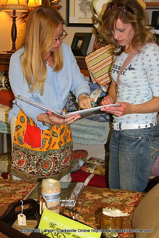 Paige King at Hodgepodge assists one of her customers