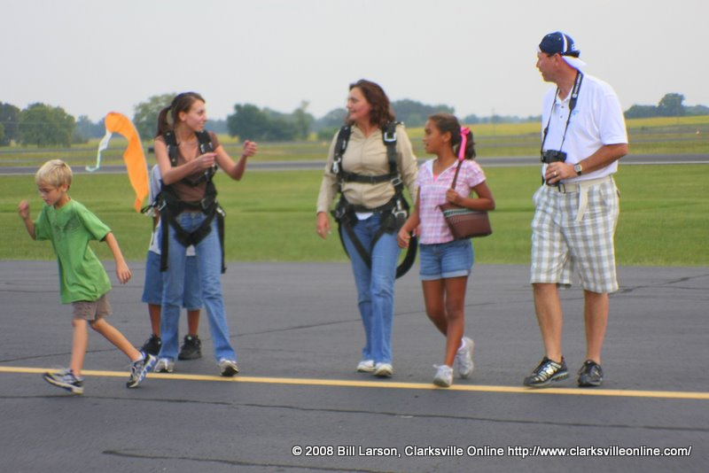 It's a family affair, this skydiving thing
