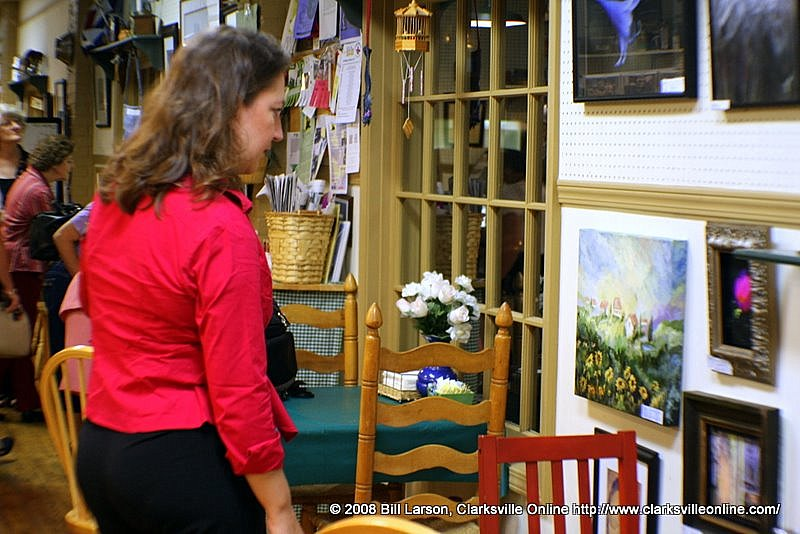 Viewing new artwork at Silke's