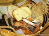dark and light bread slices