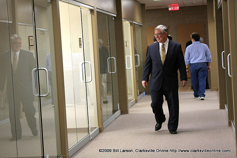 APSU President Tim Hall explores the new facility