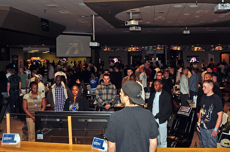 Fort Campbell Soldiers Party Super Bowl Style At The Zone