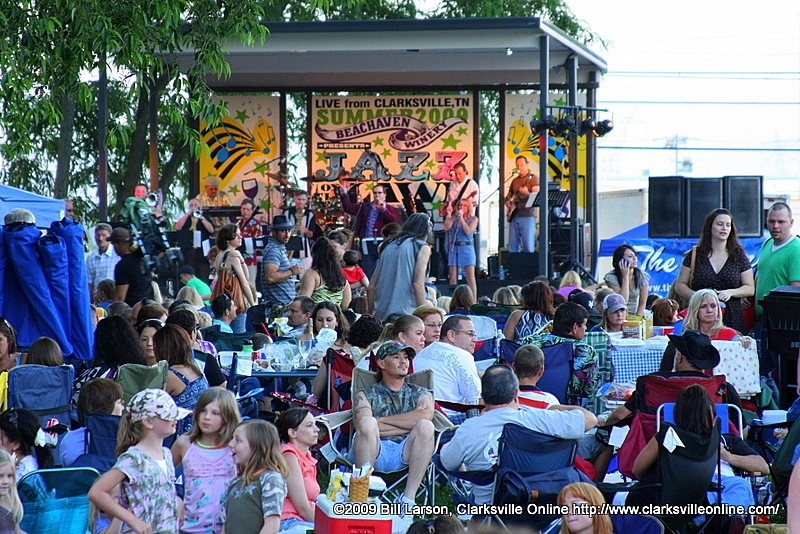 A standing room only crowd at the June 6th Jazz on the Lawn at the Beachaven Winery