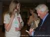 Conference dinner attendee gets Seigenthaler\'s autograph