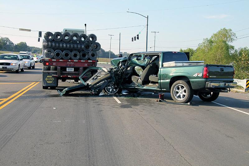 Half Truck Half Tractor Trailer Pick Up : Pick up truck hits tractor trailer one sent to vanderbilt
