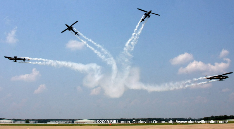 The Army Aviation Heritage Foundations Sky Soldiers Cobra Demonstration Team at Week of the Eagles.