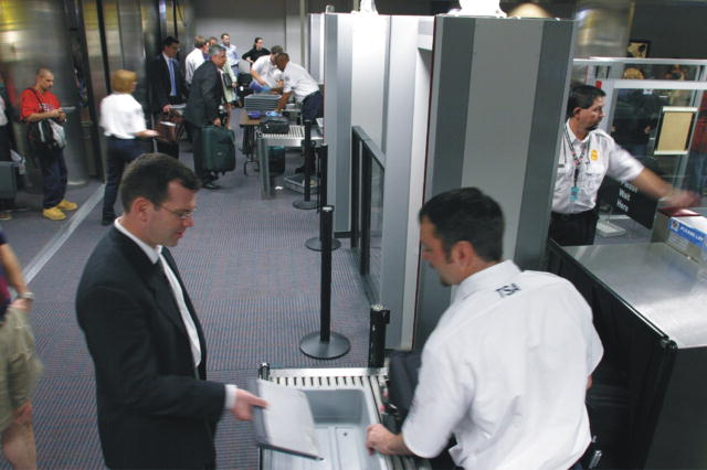 TSA airline checkpoint