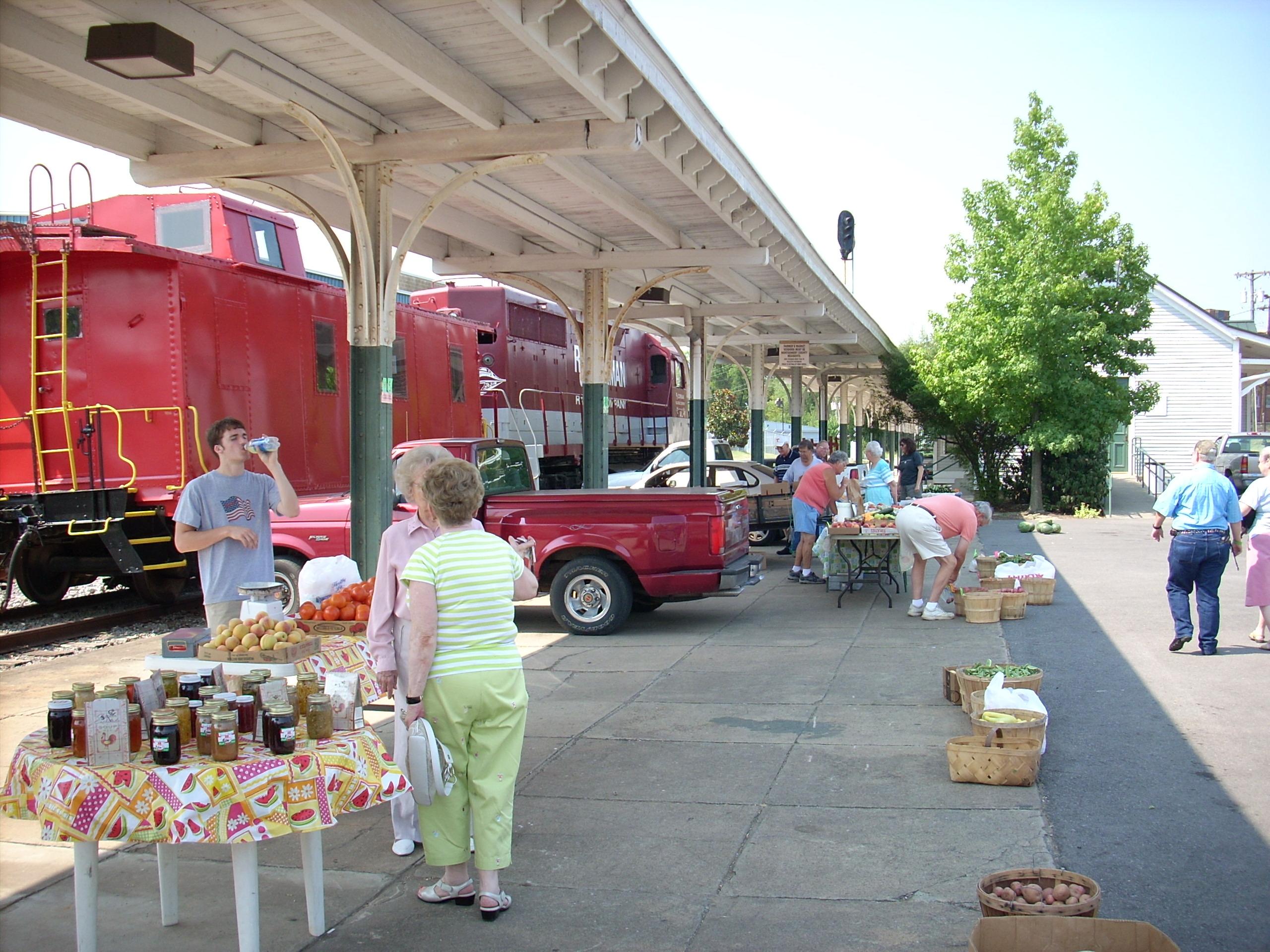 farmers-market-002.jpg