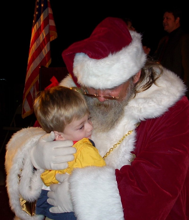 cc-santa-hugs-child1.JPG