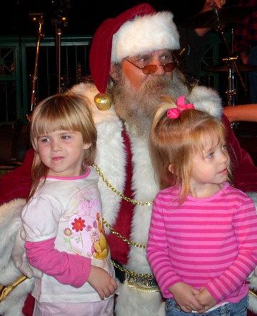 cc-santa-w-2-girls.JPG