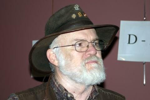 co-depot-man-in-brown-hat.JPG