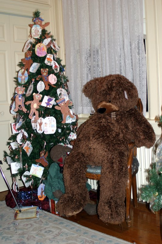 co-st-big-bear-with-tree.JPG