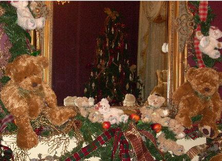 co-st-teddy-bear-mantle.JPG