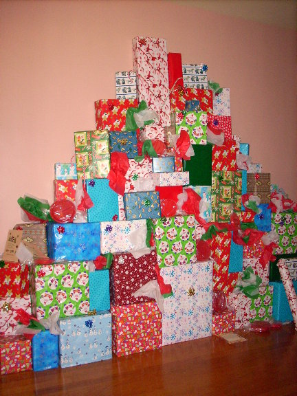 co-st-wall-of-gifts.JPG