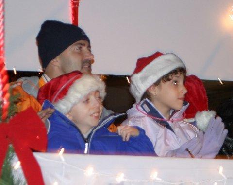 parade-2-kids-on-float.JPG