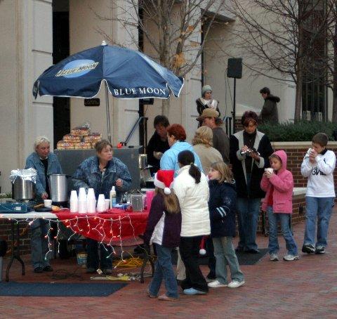 parade-courthouse-vendors.JPG