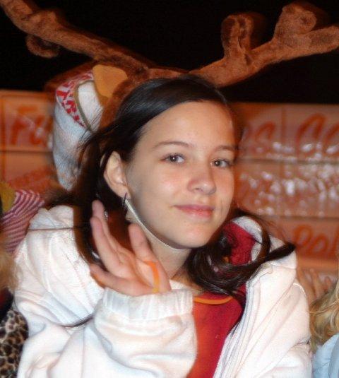 parade-girl-reindeer.JPG
