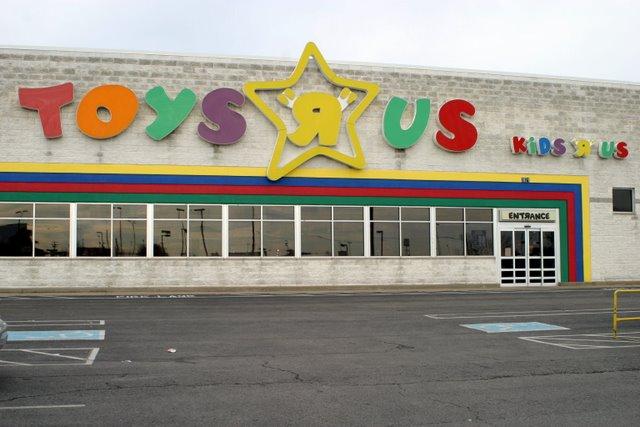 """The Clarksville, TN Toys """"R"""" Us"""