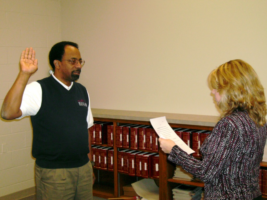 Jimmie M. Garland Sr. takes oath of office
