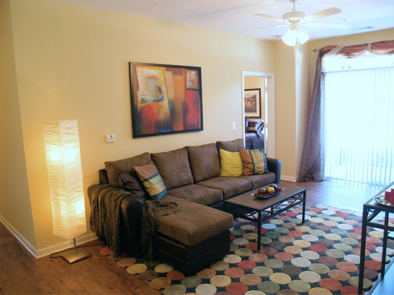 Perfect A Living Room Area In A Four Bedroom Setting