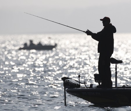 Kevin VanDam of Kalamazoo, MI fishes on Lake Hartwell in Greenville, SC on Day Two of the 2008 Bassmaster Classic. (ESPNOUTDOORSMEDIA.COM)
