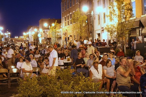 A standing room only crowd packed Strawbery for the July Jammin' in the Alley