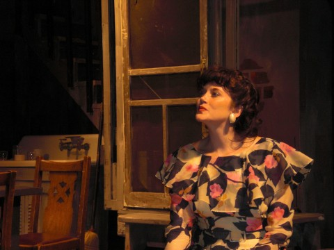 Blanche DuBois played by Alicia Kelly (Photo by Tom Thayer)