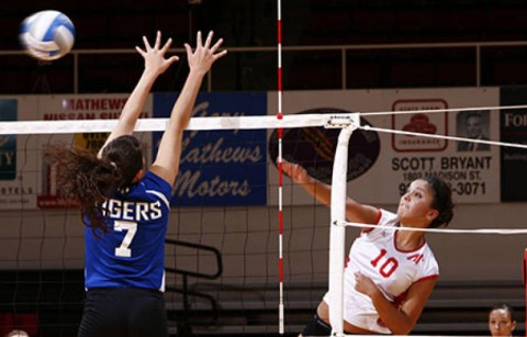 Sophomore outside hitter Ilyanna Hernandez finished with 14 kills in the Lady Govs victory at Tennessee Tech, Saturday. (Lois Jones/Austin Peay)