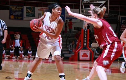 Junior Ashley Herring led the Lady Govs with 23 points in a victory at Lipscomb, Tuesday. (Keith Dorris/Dorris Photography)