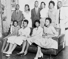 Bottom Row, Left to Right: Thelma Mothershed, Minnijean Brown, Elizabeth Eckford, Gloria Ray Top Row, Left to Right: Jefferson Thomas, Melba Pattillo, Terrence Roberts, Carlotta Walls, Daisy Bates (NAACP President), Ernest Green