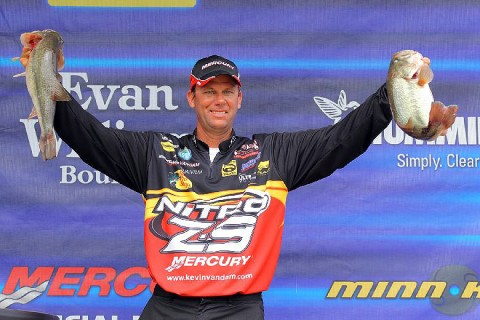 Day 3 Leader Kevin VanDam of Kalamazoo, MI. 70lb13oz. (BASS Communications/Seigo Saito)