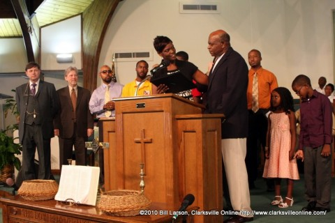 Pastor Willie J. Freeman of Greater Missionary Baptist Church receiving  the Community Spirit of Excellence Award