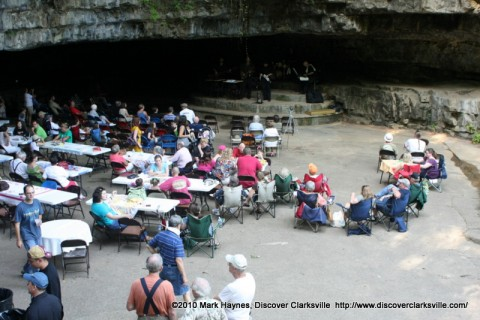 A crowd of people at Cooling at the Cave listening to the Cumberland Winds Jazz Band