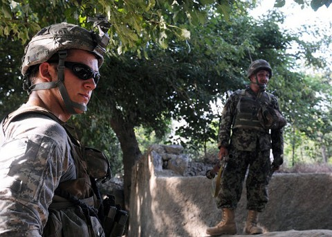 At left, U.S. Army 1st Lt. Ryker R. Sentgeorge of Astoria, OR, the platoon leader for 4th Platoon, Company D, 1st Battalion, 327th Infantry Regiment, Task Force Bulldog. (Photo by U.S. Army Staff Sgt. Gary A. Witte, 300th Mobile Public Affairs Detachment)