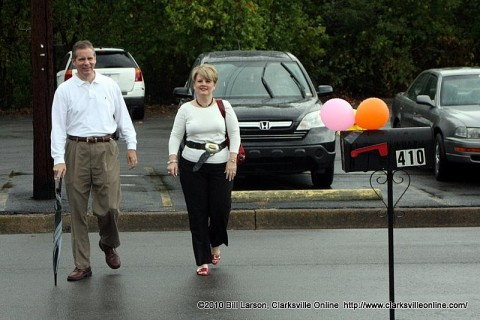 State Rep Joe Pitts and his wife Cindy arriving at the location of H.O.P.E.'s new offices.