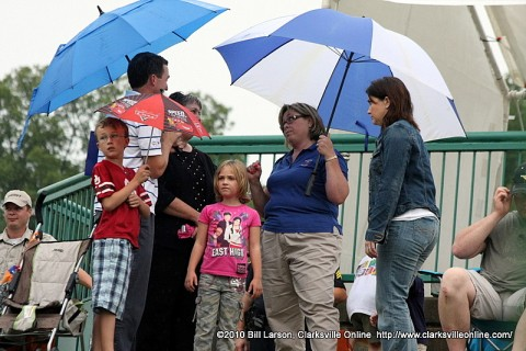 Intermittent rain plagued Riverfest early on Friday afternoon.