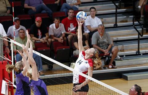 Senior Jessica Mollman finished the night with eight kills against Lipscomb, Tuesday night. (Courtesy: Robert Smith/The Leaf-Chronicle)