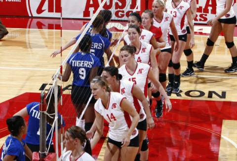Austin Peay's volleyball team won its sixth-consecutive match, downing host East Tennessee at the Buccaneer Classic, Friday night. ( Courtesy: Austin Peay Sports Information )