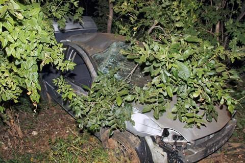 2002 Dodge Neon crashed on Needmore Road.