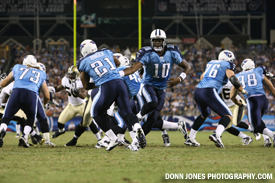 Vince Young hands off to Javon Ringer in the first quarter Thursday night at LP Field. The Titans held on for a 27-24 victory and now turn their attention to their season opener Sept. 12th vs. Oakland. (Donn Jones Photography.com)
