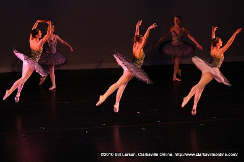 Vanderbilt Dance Theatre performing Le Corsaire: Dance of the Odalisques
