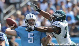 Kerry Collins tossed three touchdown passes to Kenny Britt, including two in the fourth quarter. (Donn Jones Photography.com)
