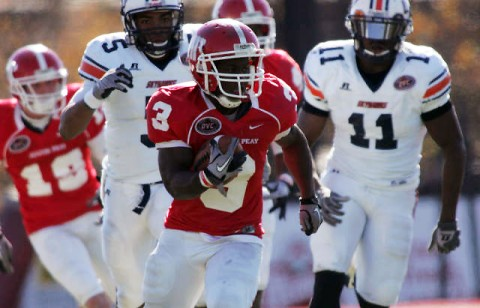 Terrence Holt breaks away on a 95-yard kickoff return against UT Martin. (Courtesy: Keith Dorris/Dorris Photography)