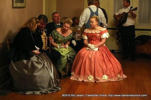 A moment of quiet conversation between dances