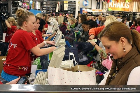 At 2:00am Shoppers were snapping up early deals at Old Navy at Governor's Square Mall