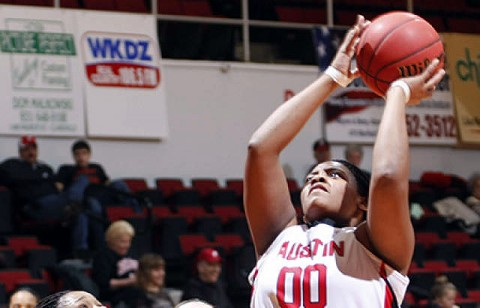 Junior Jasmine Rayner, a preseason All-OVC selection, and the Lady Govs meet Cumberland in Monday's exhibition contest. (Courtesy: Robert Smith/The Leaf-Chronicle)