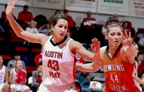 Sophomore Meghan Bussabarger led the Lady Govs with 14 points in its loss to Bowling Green, Saturday. (Courtesy: Austin Peay Sports Information)