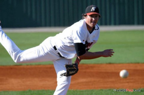 Ryne Harper throwing for Austin Peay during the Govs 2011 season. (APSU Sports Information)