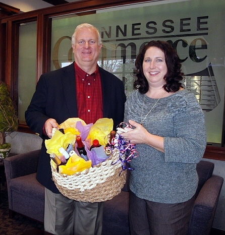 (Left) Mike Sapp, President and CEO of Tennessee Commerce Bank, (Right) Beth Poppas