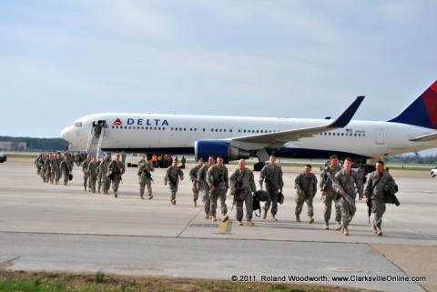 Soldiers arrive back to Campbell Army Airfield